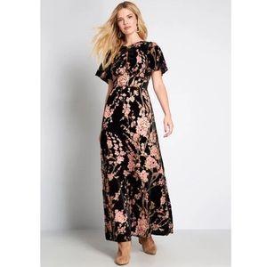 ModCloth Soirée Saunter Floral Velvet Maxi Dress